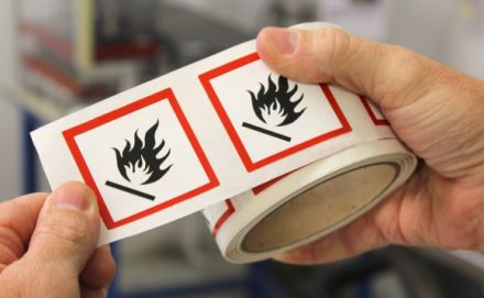 Етикети GHS 7 - Пиктограма за опасност, хартия, 50mm x 50mm /1/ 500бр.