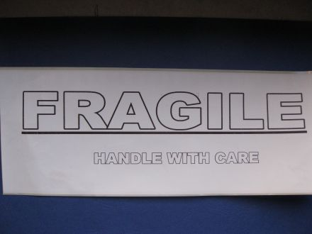 "Етикети ""Fragile"", 62mm x 300mm, 100бр., с подсилено лепило"